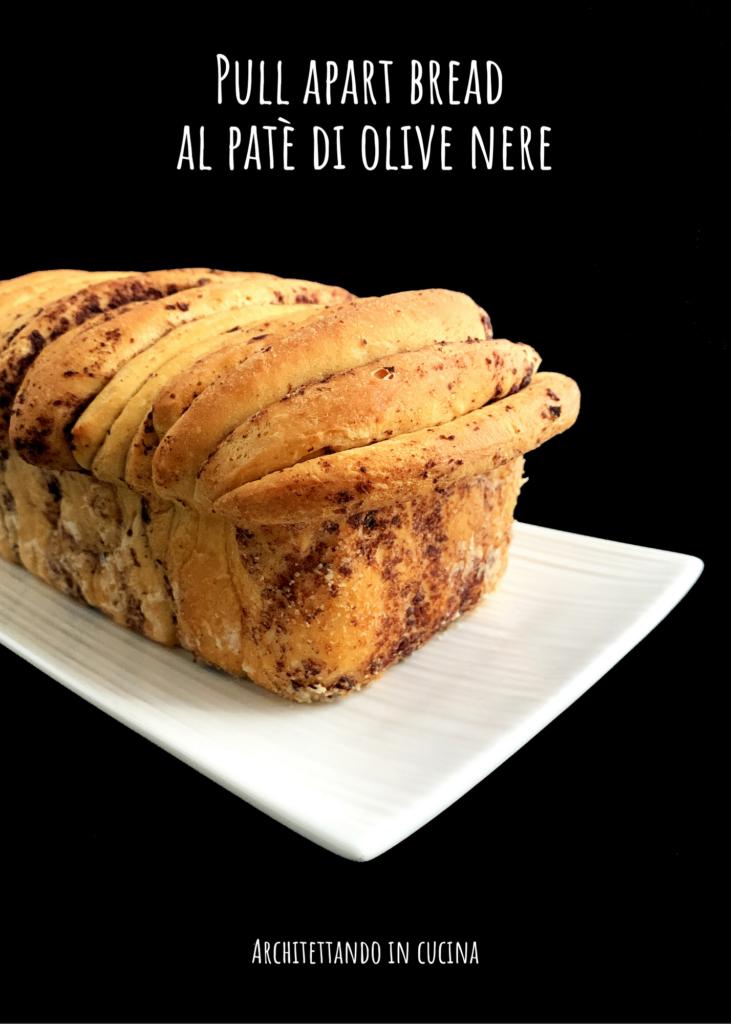Pull apart bread al patè di olive nere